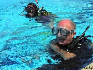 Plongée sous marine à la piscine