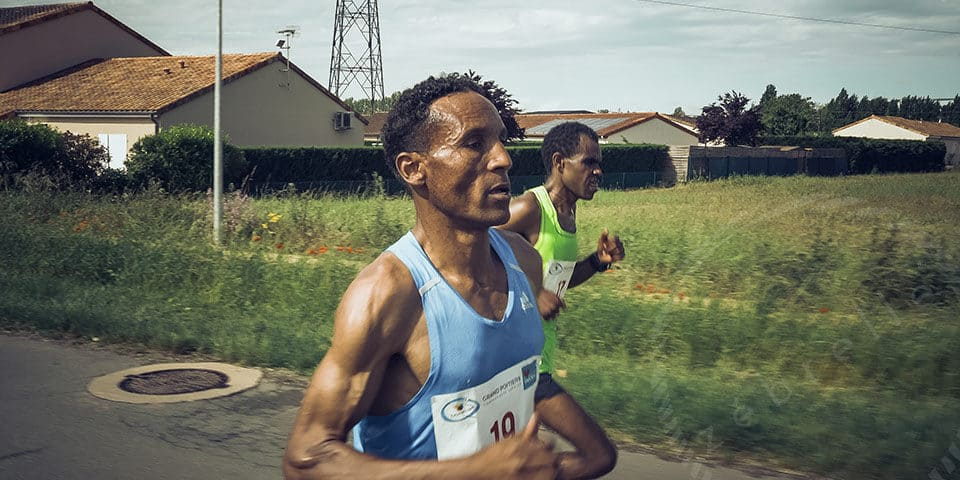 realisation-reportage-video-sport-marathon-poitiers-futuroscope-zebrelle